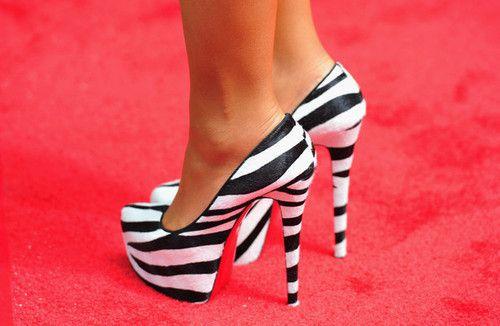 zebra printZebras Shoes, Zebras Stripes, Fashion, Red Carpets, Black White, Animal Prints, Zebras Prints, High Heels, Zebras Heels