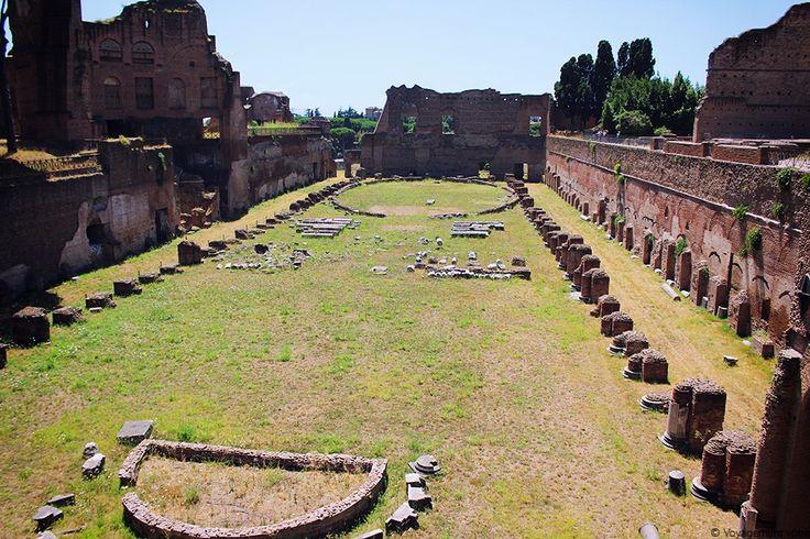 Le stade de Domitien au mont Palatin à Rome
