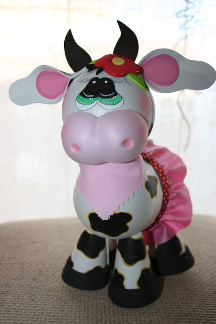 Oh my gosh...fun foam cow in a tutu, plus a cute sheep...ADORABLE!!!!  (photos)