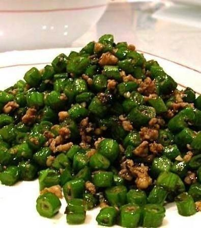 stir-fried cowpeas with pork
