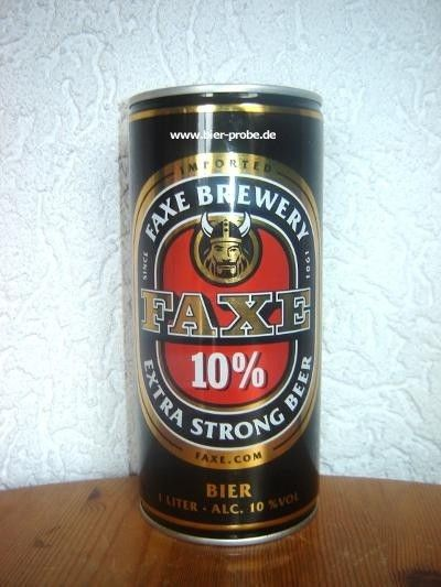 Cerveja Faxe Extra Strong Beer, estilo Malt Liquor, produzida por Faxe Bryggeri, Dinamarca. 10% ABV de álcool.