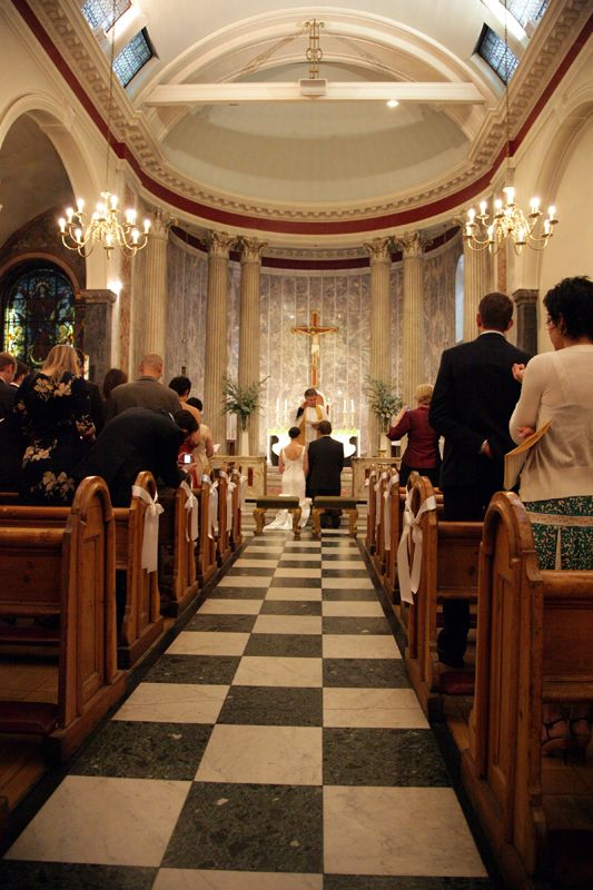 10 GREAT WEDDING SONGS FOR WALKING DOWN THE AISLE