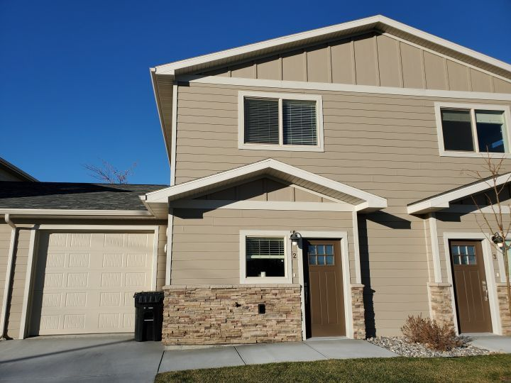 Billings Montana Townhouse For Rent At 645 Kierland Dr Billings Mt 59105 Mobile In 2021 Townhouse For Rent Rent Apartments For Rent
