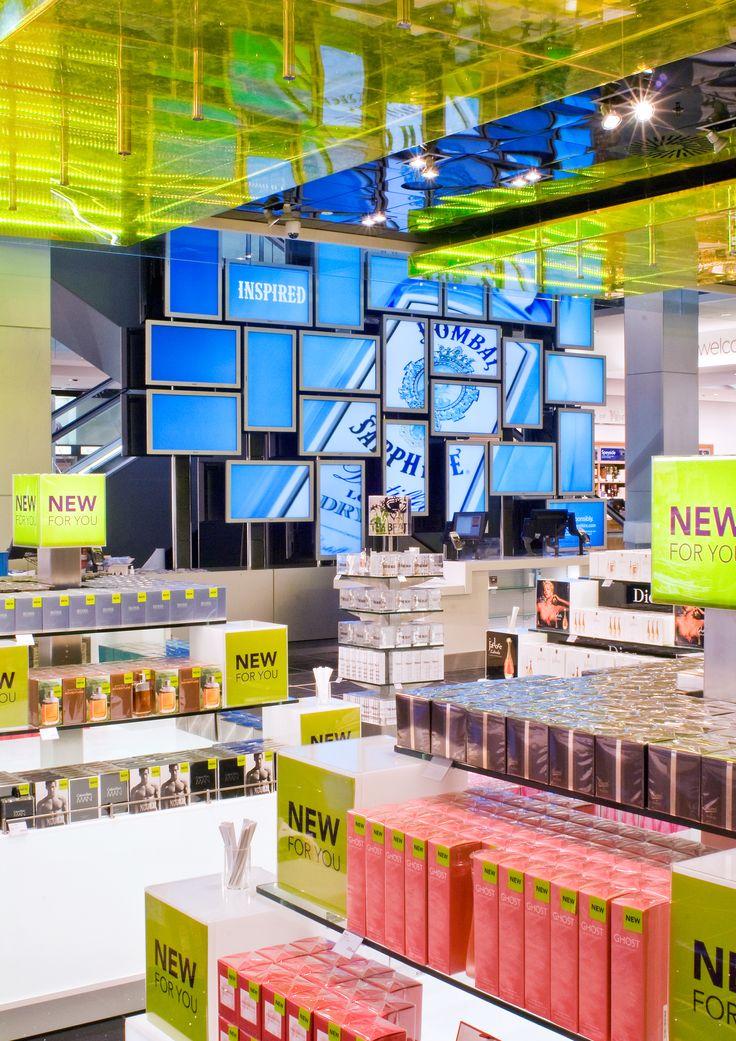 Exhibition Displays Ideas : In store digital media world duty free london heathrow