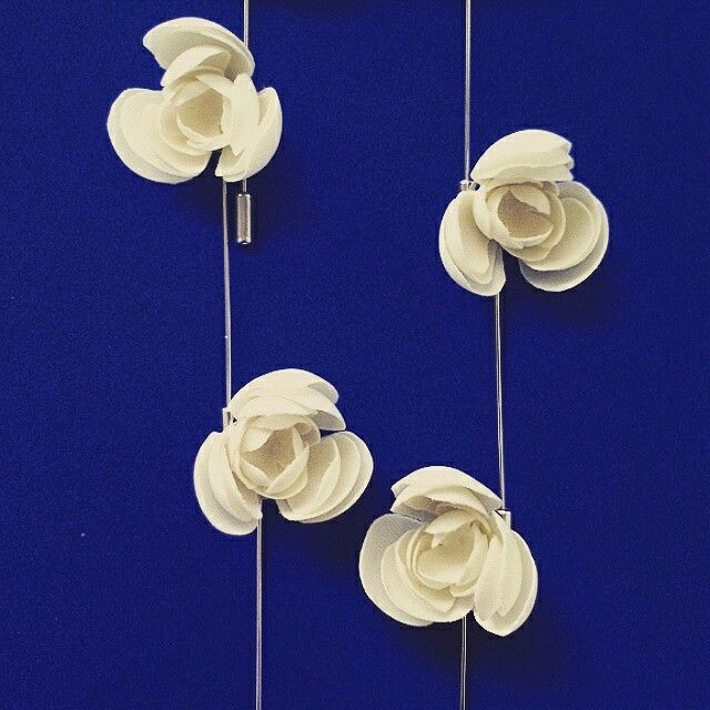 A-fashion accessories. Blossom design. White silk #lapelpin #boutonniere #weddings. instagram: @ a_fashion_bow_ties