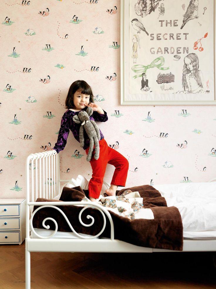 La famille Nordling, Stockholm.  Photographe Stellan Herner.  La chambre de Juli - wallpaper, poster