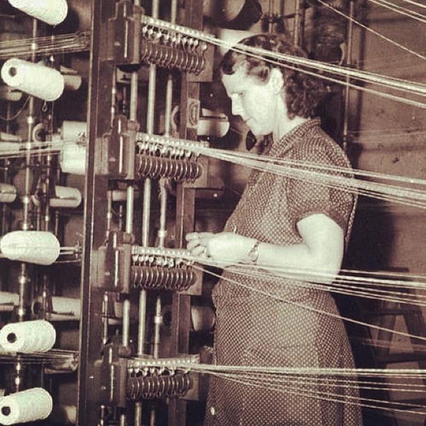 """@akerselvadigitalt's photo: """"Instagram anno 1957. Hjørdis Olsen ble ansatt ved Christiania Seildugsfabrik #seilduken 20 år gammel. Hun arbeidet med renning av jutegarn i 28 år."""""""