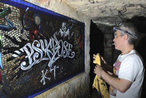 Mosaïque - catacombes interdites de Paris : part 2, pose du joint | psyckoze