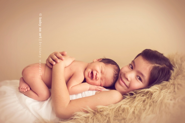 great way to take sibling pictures: Sibling Baby Ideas, Newborn Baby Photography, Newborns Baby Photography, Photos Ideas, Newborns Photos, Newborns Sibling Photos, Sibling Pictures, Children Photography, Baby Photos