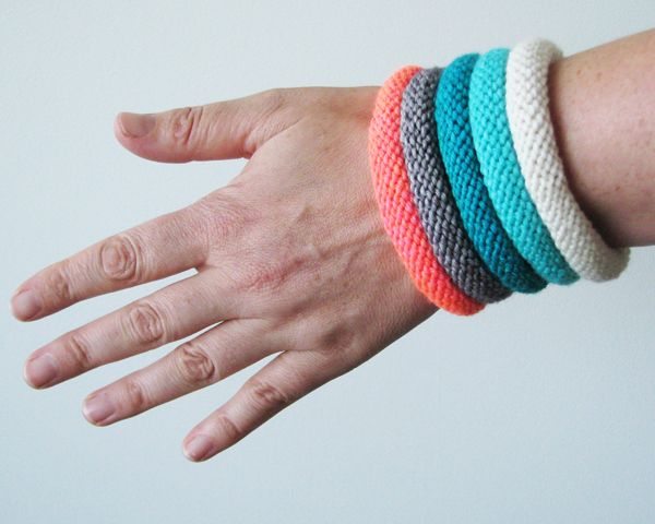 make these easy knitted bangles