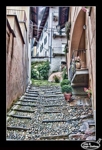 I vicoli di Pinerolo  #TuscanyAgriturismoGiratola