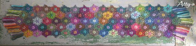 atty's: Crochet Flower Scarf made with leftovers muy buenas explicaciones y esquemas para flores y uniones