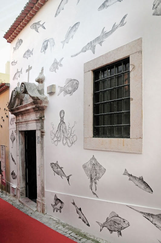 I wish I lived somewhere hot and dry for this fab exterior wall.. from Wallprinters in Portugal