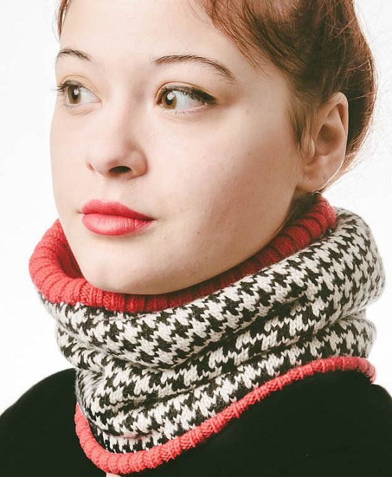 Merino Wool Chunky Knit Cowl Scarf, Infinity Scarf, Chunky Womens Neck Warmer, Loop Scarf, Black and white wool scarf, womens knit shawl