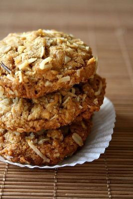 Australian Anzac biscuits-170deg. 14 mins- a bit extra hot water needed + more butter & golden syrup than recipe.