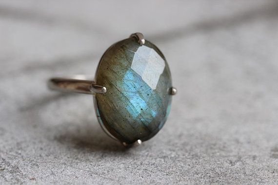 Hey, I found this really awesome Etsy listing at https://www.etsy.com/listing/203436607/18k-white-gold-labradorite-ring-natural