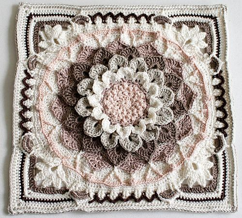 http://www.ravelry.com/projects/himbeerbel/around-the-bases