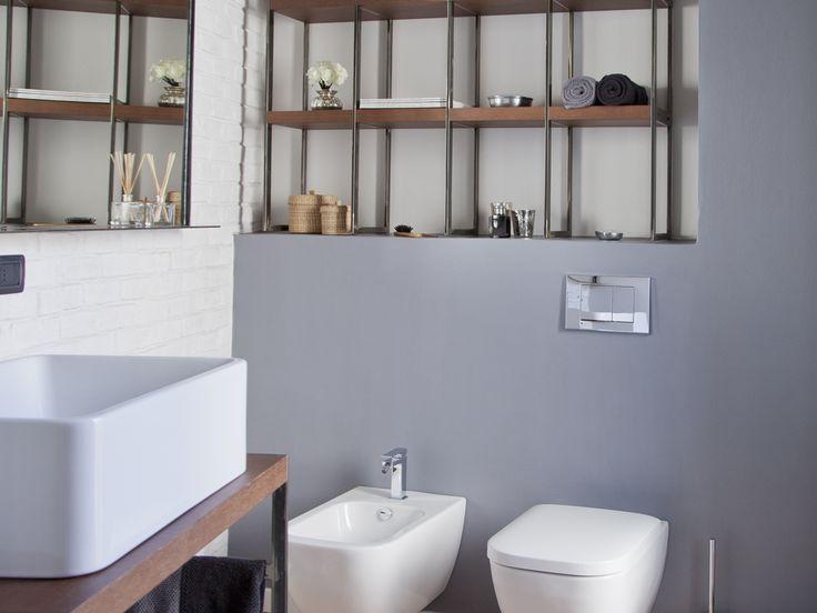 Casa Ventotto è un appartamento realizzato all'interno di un edificio che ospitava un vecchio opificio. Impronta industriale in una realizzazione ben misurata dal giusto equilibrio tra stile ed estetica, soprattutto per quanto riguarda l'armonia e la funzionalità degli spazi.