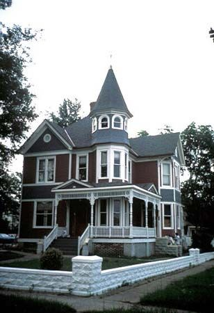 Lewis House  Caddo Parish LA  Example: Queen Anne Revival Style House with Turret