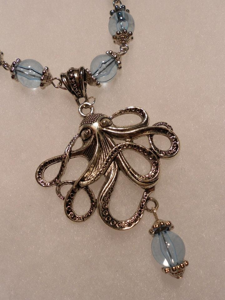 Vintage inspired octopus necklace. LOVE! https://www.facebook.com/pages/Sara-Bef-Jewelry-Art/377056532306876: Inspiration Octopuses, Wardrobes Inspiration, Vintage Inspiration