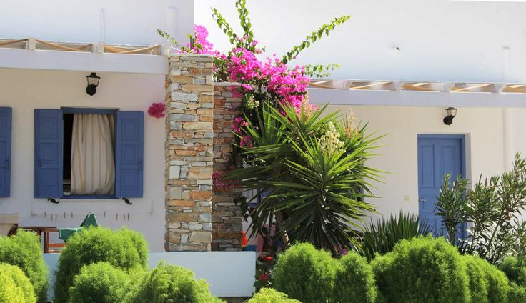 Rooms with... flowers at Island House Hotel & Island House Mare in Ios island! http://www.islandhouse.gr/