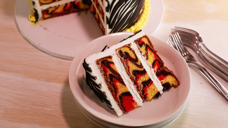 Buddy Valastro s Swirl Cake Delectable Desserts ...