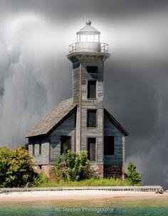 Faro abandonado en el lago Superior, Grand Island