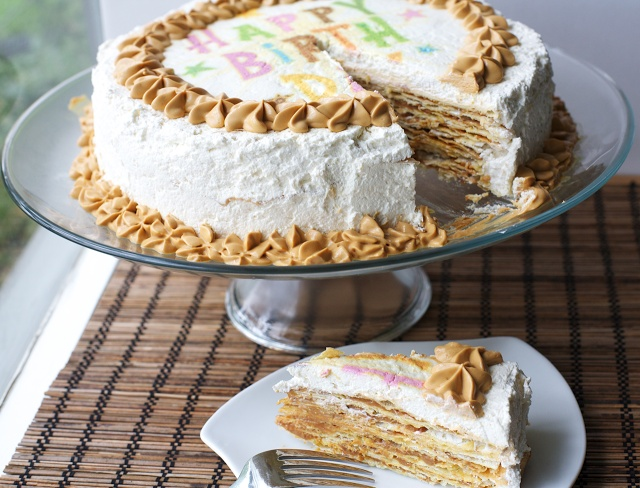Torta Pompadour estilo Angélicas: hojarasca/crema chantilly/manjar / Banana one thousand layers | En mi cocina hoy