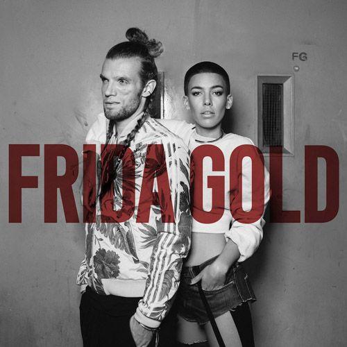 """http://polyprisma.de/wp-content/uploads/2015/08/Frida-Gold.jpg """"RUN RUN RUN"""": Neue Single von Frida Gold http://polyprisma.de/2015/run-run-run-neue-single-von-frida-gold/ Pressetext: Frontfrau Alina kommentiert: """"Run Run Run ist für mich meine Botschaft an alle Frauen. Kurz bevor ich ins Studio ging und diesen Song schrieb, las ich einen Artikel über Pop-Diven unserer Zeit, in dem diese für feministische Parolen und knappe Bühnenoutfits verurteilt wurden – g..."""