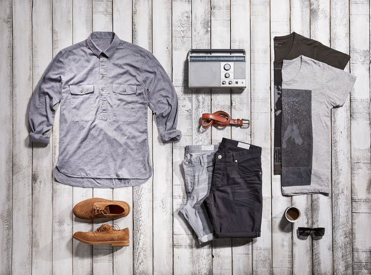 A casual look with T-shirts, shorts and shirts