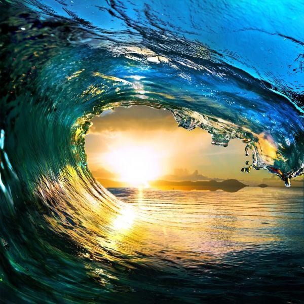 Как выглядят морские волны изнутри