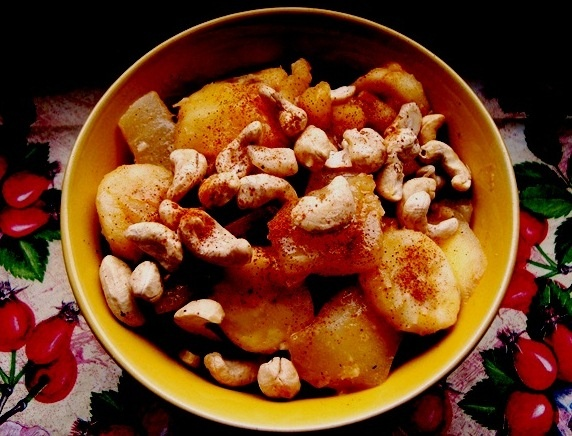 caramelised fruits with nuts