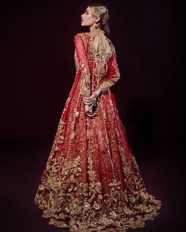 Red bridals will always be my favorite! @tenadurrani takes on this traditional color and adds her touch with gorgeous gold detail Model is @sadafkanwal photographed by @ztareen