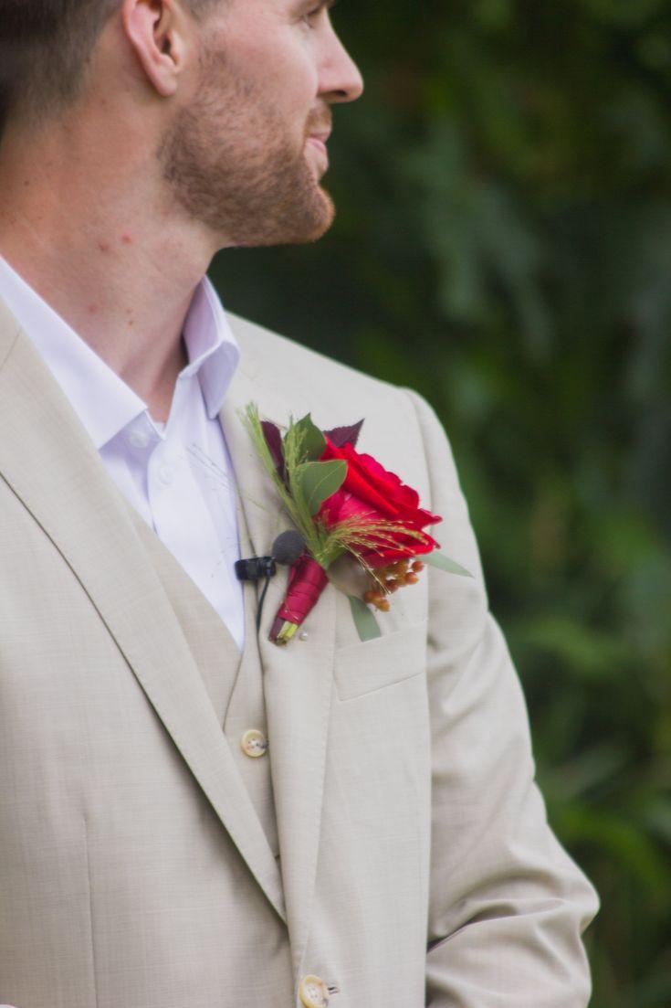 Van Simone Floral || Romantic Cowichan Valley Estate Wedding