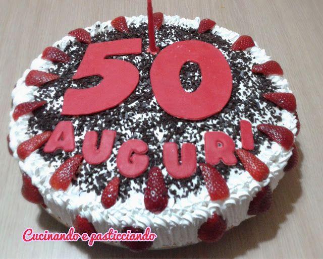Torta Fragole per 50 anni   Oggi ho realizzato questa torta per il compleanno del marito di una mia cara amica...la base è il mio collaudatissimoPandispagnafarcito con unaCremapasticceraal limone..Qui i video per aiutarvi nella realizzazione..  Qui troviTutti i miei video  Torte decorate