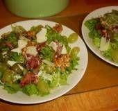 Salade Met Rauwe Ham, Druiven En Walnoten recept | Smulweb.nl