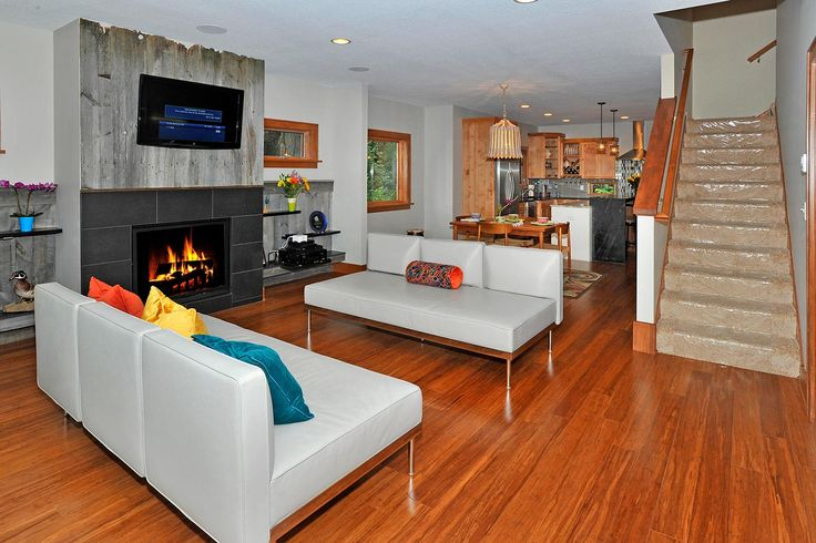 Casco Point living and dining room