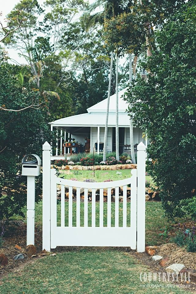 Country Style Magazine. Interior designer Anna Spiro's amazing talent for mixing colour and pattern is obvious in every corner of her Queensland home. Photography Jared Fowler Styling Anna Spiro #countrystylemag #gate #gardengate