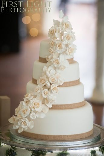Wedding cake, hessian ribbon, I want to do this with wattle flowers