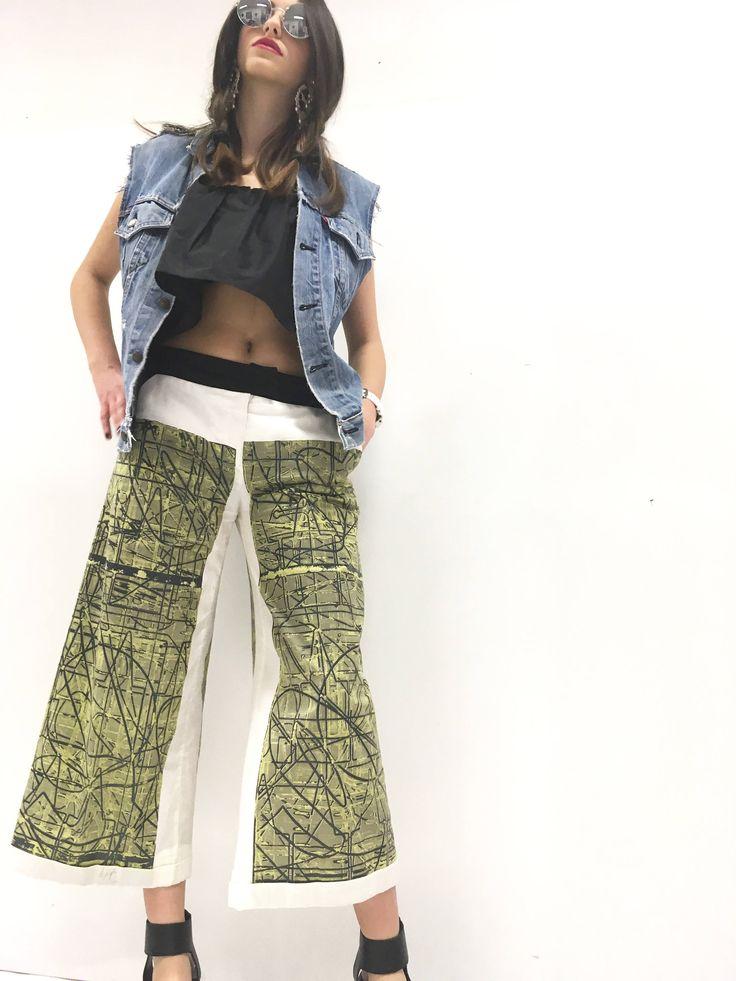 Short Trousers Fancy Pants Screen Printing of A.Lugli Artwork on Cotton LOLA DARLING Artwork in Clothing  Italian Tailoring Green and Black di loladarlingirl su Etsy