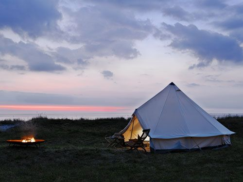 Safari style portable tent in Denmark: Cabin, Favorite Places, Guest House, Cool Tent, Camps, The Great Outdoor, Campfires, Denmark, Fire Pit