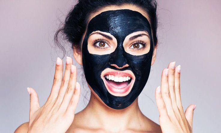 Σπιτική μαύρη μάσκα για τα μαύρα στίγματα
