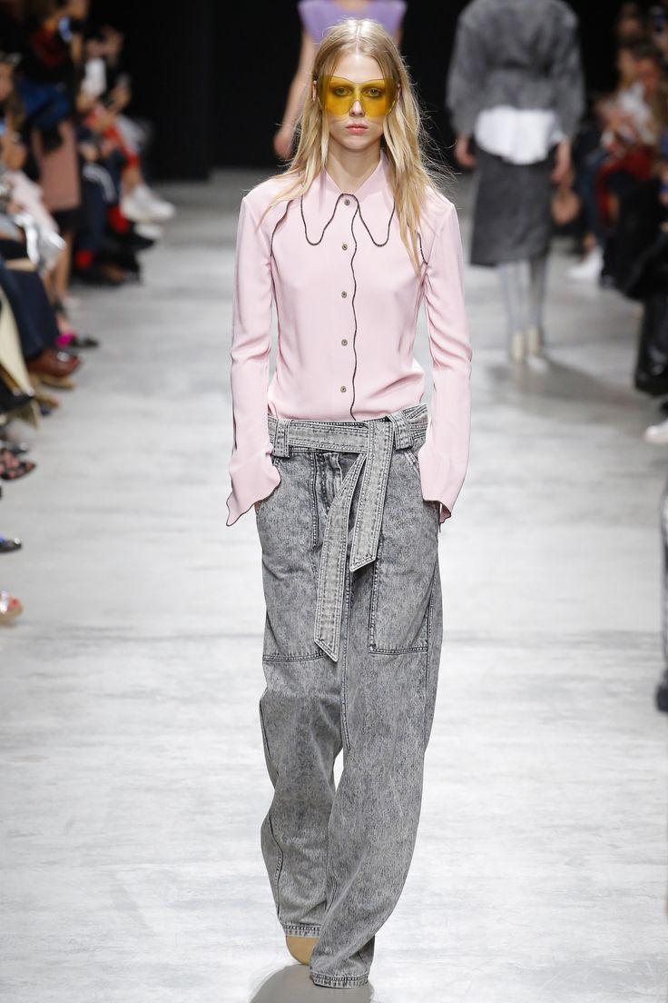 Véronique Leroy Spring 2017 Ready-to-Wear Collection Photos - Vogue