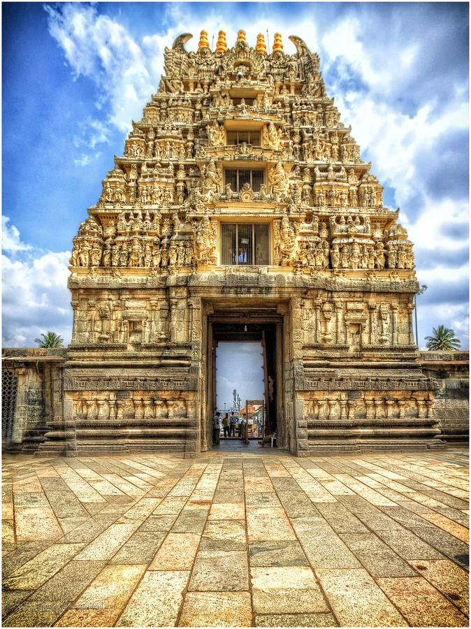 Entrance to Chennakeshava temple, Belure, Karnataka
