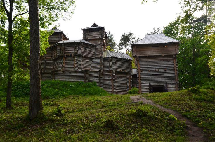 Houten kasteel in Tervete