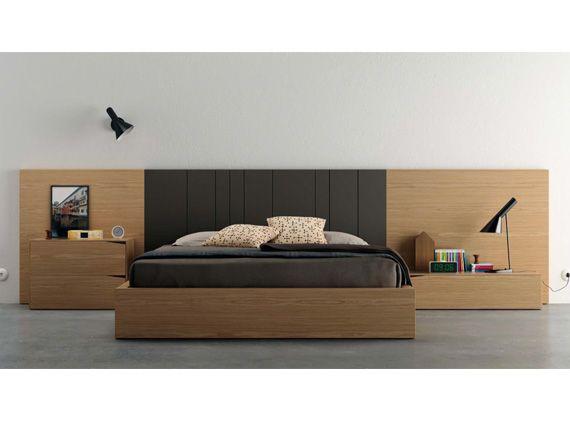 Dormitorio minimalista. Dormitorio matrimonio moderno, chapa natural y laca brillo y mate.