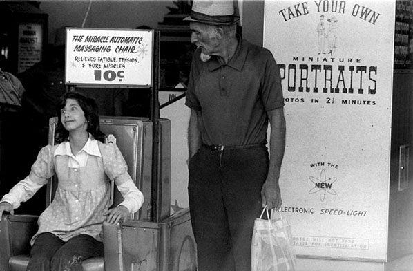 Massage Chair, Luna Park, St Kilda 1974 | Rennie Ellis Photographic Archive