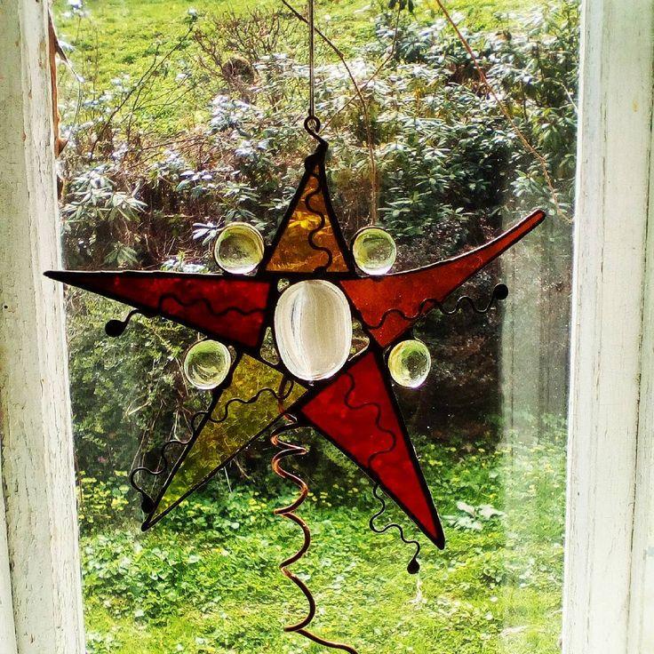 #glass #suncatcher #pendant #stainedglass #decoration #handmade #handmadegifts #witraż #rękodziełokwitnie #rękodzieło #szkło #zawieszka #dekoracje #glasswoodme