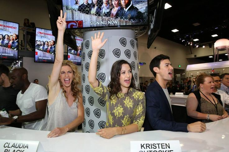 """The CONTAINMENT team gives  fan's question in the Warner Bros. booth Comic-Con 2015 (L-R) David Gyasi (Major Alex """"Lex"""" Carnaha ) Claudia Black (Dr. Sabine Lommers) Kristen Gutoskie (Katie), George Young (Dr. Cannets) Excecutive  Producer Julie Plec, Executive Producer Matt Corman. #WBSDCC"""