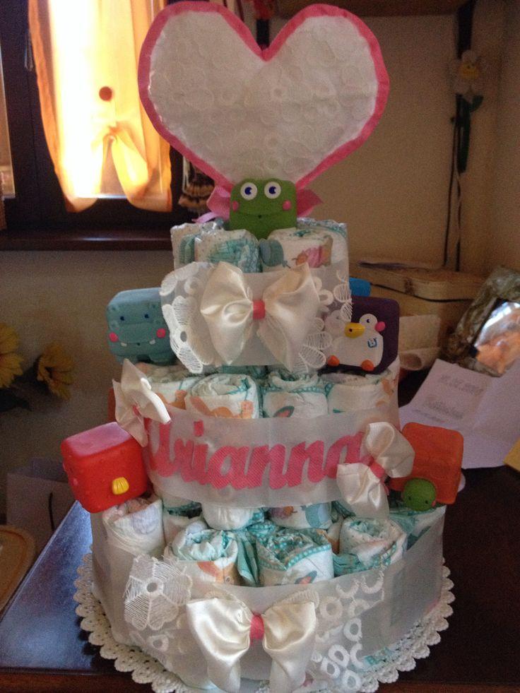 Torta di pannolini personalizzata con nome per il battesimo della piccola Arianna!